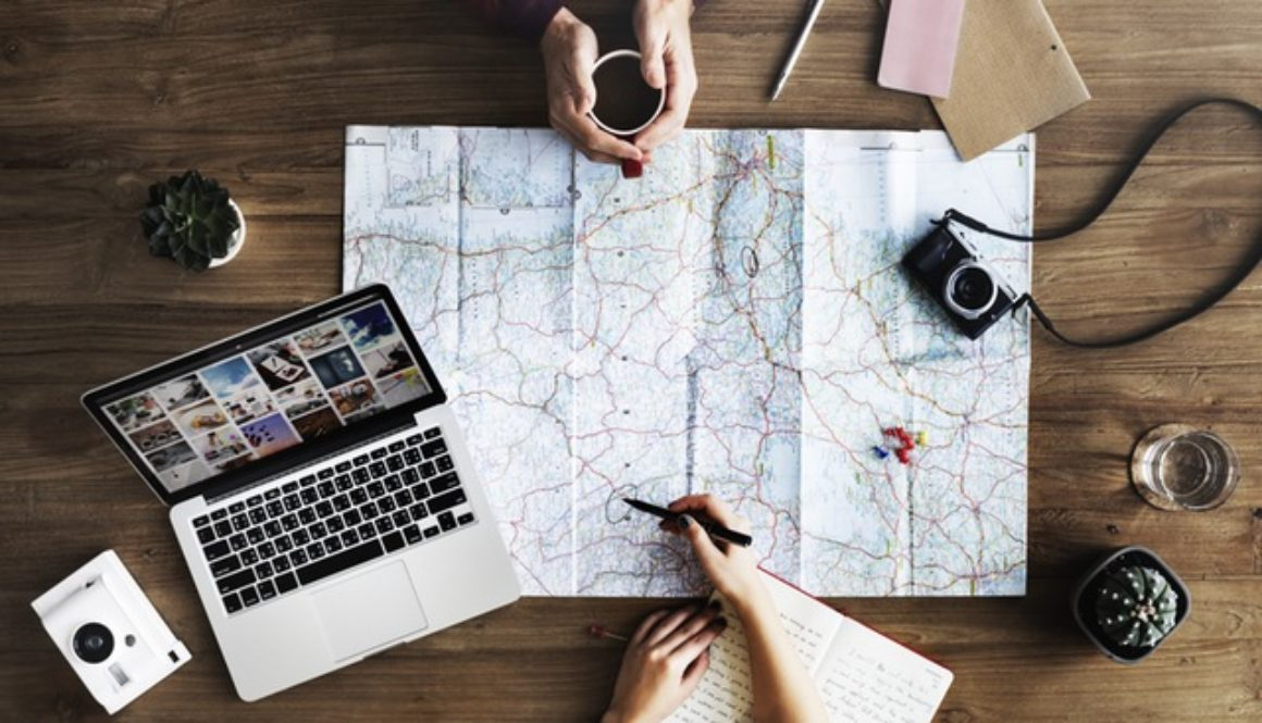 12 Digital Nomad Business Models You Can Start For Less Than $1,000
